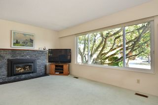 Photo 3: 9091 BUCHANAN Place in Surrey: Queen Mary Park Surrey House for sale : MLS®# R2096463