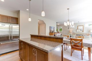 """Photo 11: 32 15454 32 Avenue in Surrey: Grandview Surrey Townhouse for sale in """"Nuvo"""" (South Surrey White Rock)  : MLS®# R2454547"""
