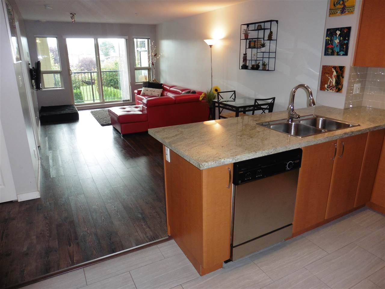 """Main Photo: 218 4728 DAWSON Street in Burnaby: Brentwood Park Condo for sale in """"MONTAGE"""" (Burnaby North)  : MLS®# R2305666"""