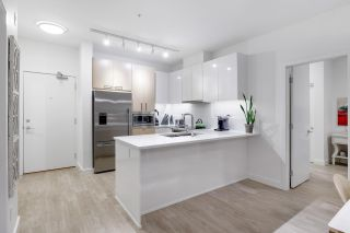 """Photo 14: 303 1621 HAMILTON Avenue in North Vancouver: Mosquito Creek Condo for sale in """"HEYWOOD ON THE PARK"""" : MLS®# R2603480"""