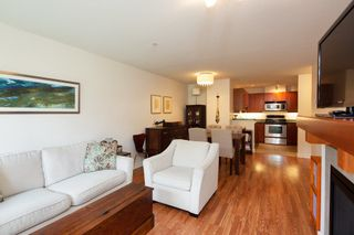 "Photo 7: 305 675 PARK Crescent in New Westminster: GlenBrooke North Condo for sale in ""WINCHESTER"" : MLS®# R2274129"