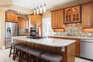 Photo 5: 396 King George Terr in Oak Bay: OB Gonzales House for sale : MLS®# 886520