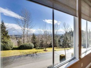 """Photo 5: 7 2979 PANORAMA Drive in Coquitlam: Westwood Plateau Townhouse for sale in """"DEERCREST"""" : MLS®# R2543094"""