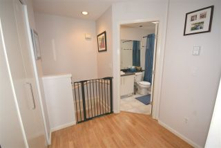 """Photo 8: 7430 MAGNOLIA Terrace in Burnaby: Highgate Townhouse for sale in """"CAMARILLO"""" (Burnaby South)  : MLS®# R2080942"""