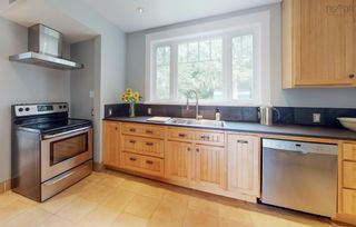 Photo 7: 29 Highland Avenue in Wolfville: 404-Kings County Residential for sale (Annapolis Valley)  : MLS®# 202122121