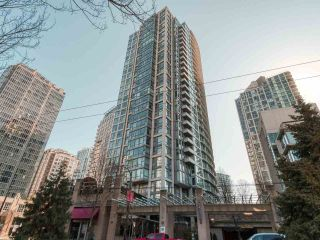 "Photo 13: 2005 1008 CAMBIE Street in Vancouver: Yaletown Condo for sale in ""WATERWORKS"" (Vancouver West)  : MLS®# R2457760"
