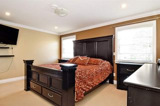 """Photo 16: 6351 167B Street in Surrey: Cloverdale BC House for sale in """"West Cloverdale"""" (Cloverdale)  : MLS®# R2475893"""
