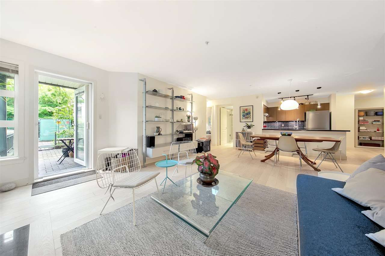 """Main Photo: 105 2161 W 12TH Avenue in Vancouver: Kitsilano Condo for sale in """"THE CARLINGS"""" (Vancouver West)  : MLS®# R2590728"""