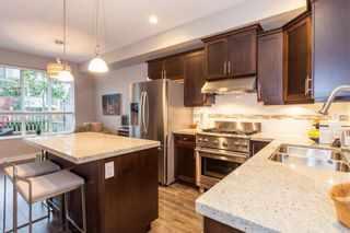 Photo 5: 57 7848 170 STREET in VANTAGE by Vesta Properties: Fleetwood Tynehead Home for sale ()  : MLS®# R2119596