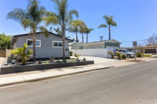 Photo 3: CLAIREMONT House for sale : 3 bedrooms : 7407 Salizar Street in San Diego