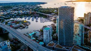"Photo 28: 5601 1480 HOWE Street in Vancouver: Yaletown Condo for sale in ""VANCOUVER HOUSE"" (Vancouver West)  : MLS®# R2531161"