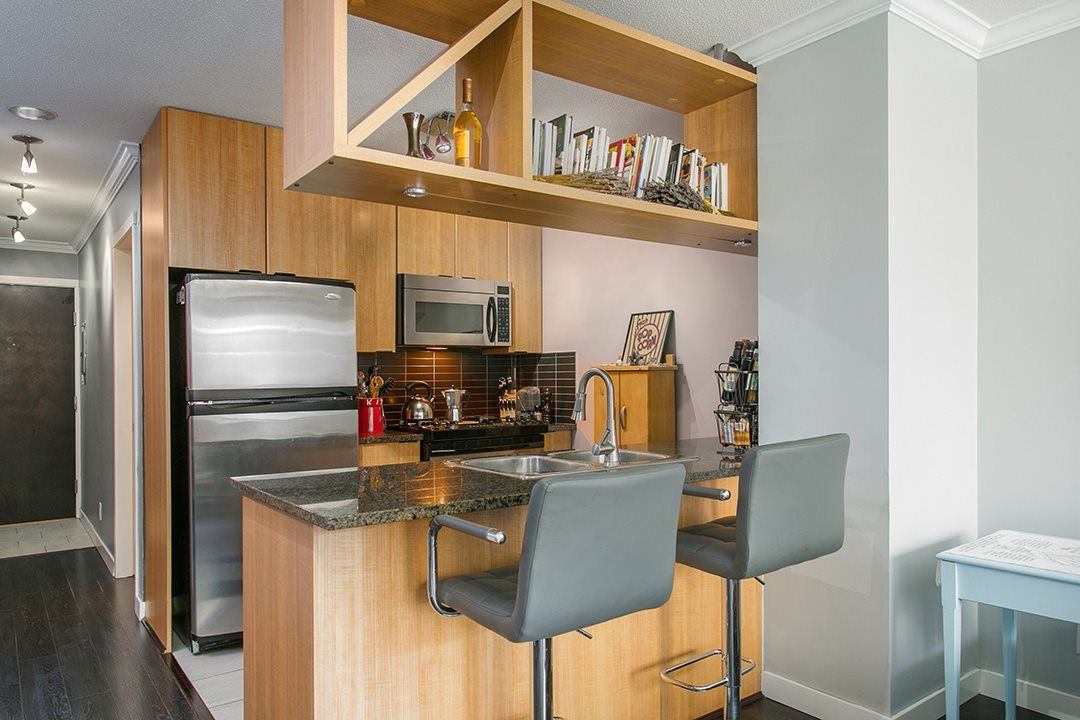 """Main Photo: 307 1001 RICHARDS Street in Vancouver: Downtown VW Condo for sale in """"MIRO"""" (Vancouver West)  : MLS®# R2137309"""