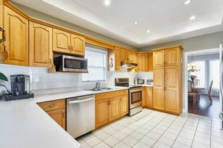 Photo 12: 985 Grafton Court in Pickering: Liverpool House (2-Storey) for sale : MLS®# E5173647