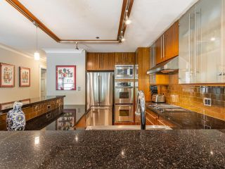 """Photo 14: 203 668 W 16TH Avenue in Vancouver: Cambie Condo for sale in """"The Mansions"""" (Vancouver West)  : MLS®# R2606926"""