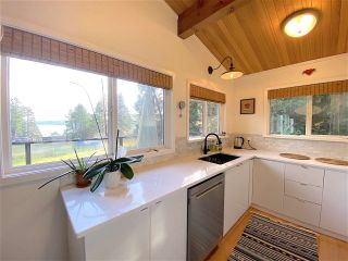 Photo 5: 60 SATER Way: Galiano Island House for sale (Islands-Van. & Gulf)  : MLS®# R2521765