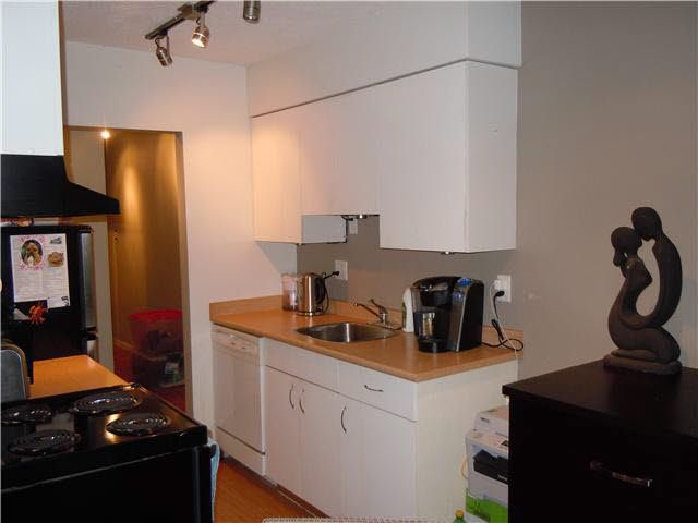 Photo 5: Photos: 109 2211 W 5TH Avenue in Vancouver: Kitsilano Condo for sale (Vancouver West)  : MLS®# V1090915