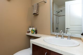 "Photo 13: 707 1551 FOSTER Street: White Rock Condo for sale in ""Sussex House"" (South Surrey White Rock)  : MLS®# R2205438"