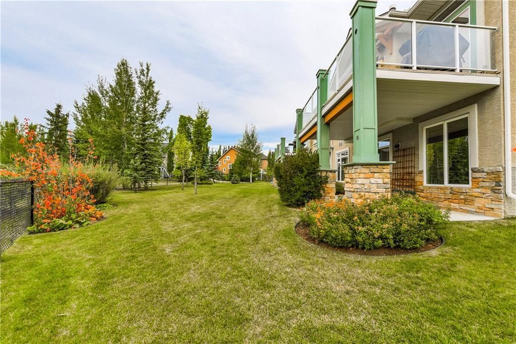 Photo 39: Photos: 73 DISCOVERY WOODS Villa SW in Calgary: Discovery Ridge Semi Detached for sale : MLS®# C4218779