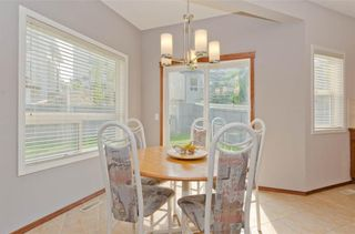 Photo 13: 70 Cresthaven Way SW in Calgary: Crestmont Detached for sale : MLS®# C4285935