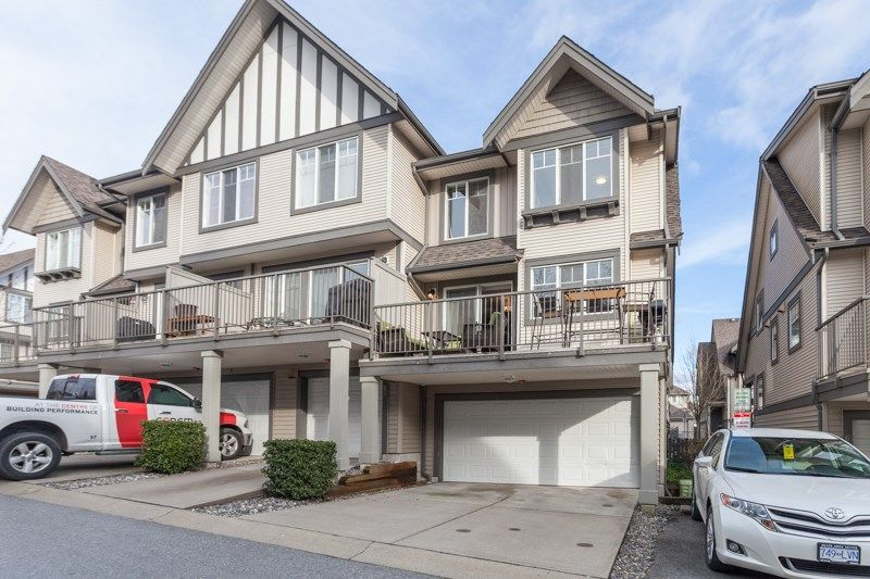 """Main Photo: 64 20038 70 Avenue in Langley: Willoughby Heights Townhouse for sale in """"Daybreak"""" : MLS®# R2141794"""