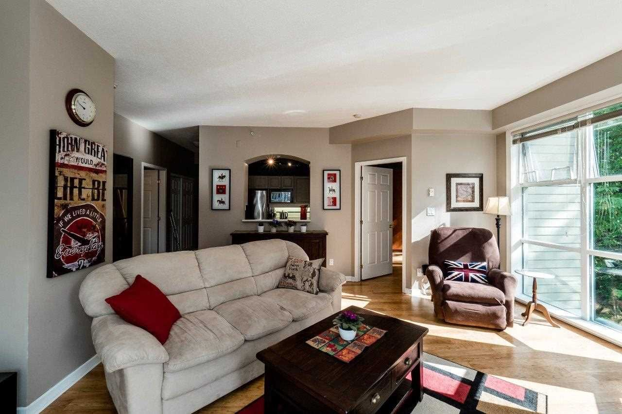 """Photo 3: Photos: 433 3600 WINDCREST Drive in North Vancouver: Roche Point Condo for sale in """"RAVENWOODS"""" : MLS®# R2072871"""