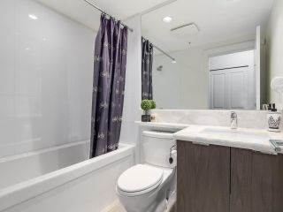 """Photo 11: 402 3162 RIVERWALK Avenue in Vancouver: Champlain Heights Condo for sale in """"SHORELINE"""" (Vancouver East)  : MLS®# R2220256"""