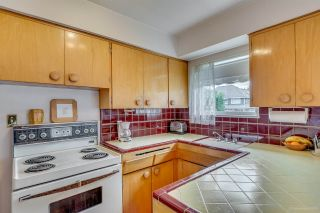"Photo 10: 760 SMITH Avenue in Coquitlam: Coquitlam West House for sale in ""COQUITLAM WEST"" : MLS®# R2077431"