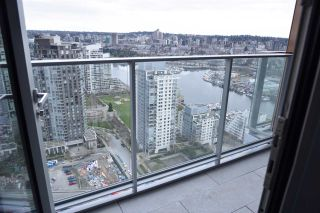 """Photo 13: 3811 1480 HOWE Street in Vancouver: Yaletown Condo for sale in """"VANCOUVER HOUSE BY WESTBANK"""" (Vancouver West)  : MLS®# R2543232"""