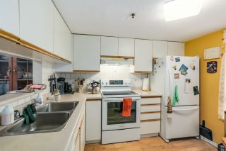 """Photo 3: 22 4321 SOPHIA Street in Vancouver: Main Townhouse for sale in """"WELTON COURT"""" (Vancouver East)  : MLS®# R2000422"""