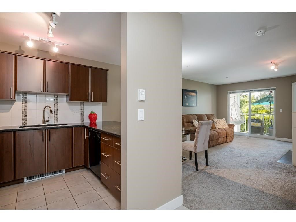"""Photo 7: Photos: 204 19366 65 Avenue in Surrey: Clayton Condo for sale in """"LIBERTY AT SOUTHLANDS"""" (Cloverdale)  : MLS®# R2591315"""