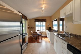 Photo 17: 546 MARINE Drive in Gibsons: Gibsons & Area House for sale (Sunshine Coast)  : MLS®# R2535740