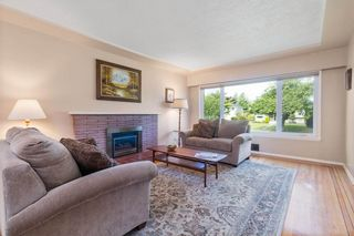Photo 5: 4636 WESTLAWN Drive in Burnaby: Brentwood Park House for sale (Burnaby North)  : MLS®# R2486421