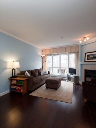 "Photo 8: 26 788 W 15TH Avenue in Vancouver: Fairview VW Townhouse for sale in ""SIXTEEN WILLOWS"" (Vancouver West)  : MLS®# V938784"