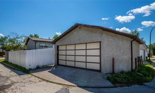 Photo 28: 30 Clearview Drive in Winnipeg: All Season Estates Residential for sale (3H)  : MLS®# 202020715
