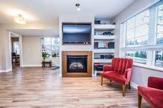 "Photo 1: 308 2940 KING GEORGE Boulevard in Surrey: King George Corridor Condo for sale in ""High Street"" (South Surrey White Rock)  : MLS®# R2229056"