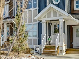 Photo 2: 142 Sunset Road: Cochrane Row/Townhouse for sale : MLS®# A1052095