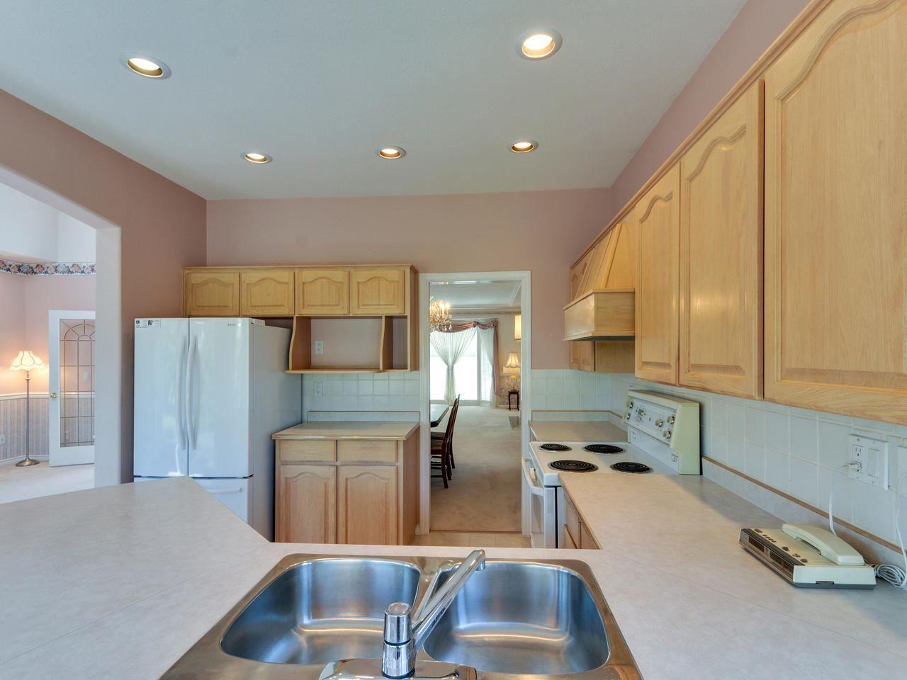 "Photo 7: Photos: 14923 24A Avenue in Surrey: Sunnyside Park Surrey House for sale in ""Sherborrke Estates"" (South Surrey White Rock)  : MLS®# R2374300"
