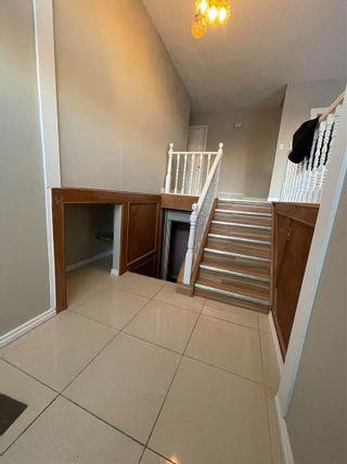 Photo 3: 1975 68 Street in Edmonton: Zone 29 House for sale : MLS®# E4225668