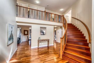 Photo 5: 334 Pumpridge Place SW in Calgary: Pump Hill Detached for sale : MLS®# A1094863