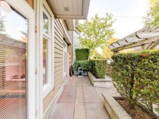 Photo 9: 972 West 54th Avenue in Vancouver: South Cambie Townhouse for sale (Vancouver West)  : MLS®# R2507523