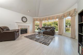 """Photo 5: 19 7711 WILLIAMS Road in Richmond: Broadmoor Townhouse for sale in """"The Gates"""" : MLS®# R2488663"""