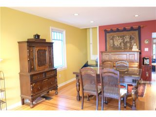 """Photo 3: 49 E 26TH Avenue in Vancouver: Main House  in """"MAIN STREET"""" (Vancouver East)  : MLS®# V1094939"""