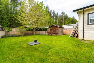 "Photo 23: 28 3942 COLUMBIA VALLEY Road: Cultus Lake Manufactured Home for sale in ""Cultus Lake Village"" : MLS®# R2575446"