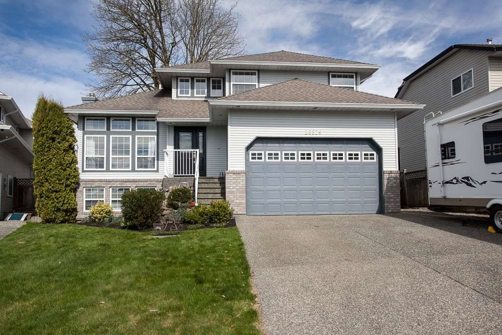 Main Photo: 26879 24A Avenue in Langley: Aldergrove Langley House for sale : MLS®# R2248874