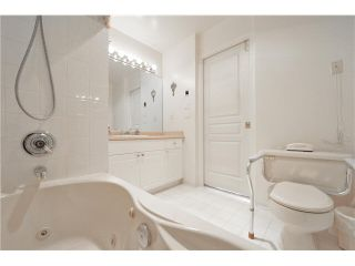"""Photo 20: 303 1705 MARTIN Drive in Surrey: Sunnyside Park Surrey Condo for sale in """"SOUTHWYND"""" (South Surrey White Rock)  : MLS®# F1420126"""