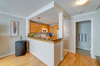 """Photo 4: 56 7488 SOUTHWYNDE Avenue in Burnaby: South Slope Townhouse for sale in """"Ledgestone I by Adera"""" (Burnaby South)  : MLS®# R2584372"""