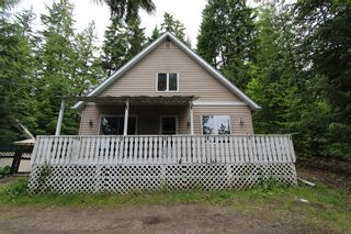 Photo 1: 7221 Birch Close in Anglemont: North Shuswap House for sale (Shuswap)  : MLS®# 10208181
