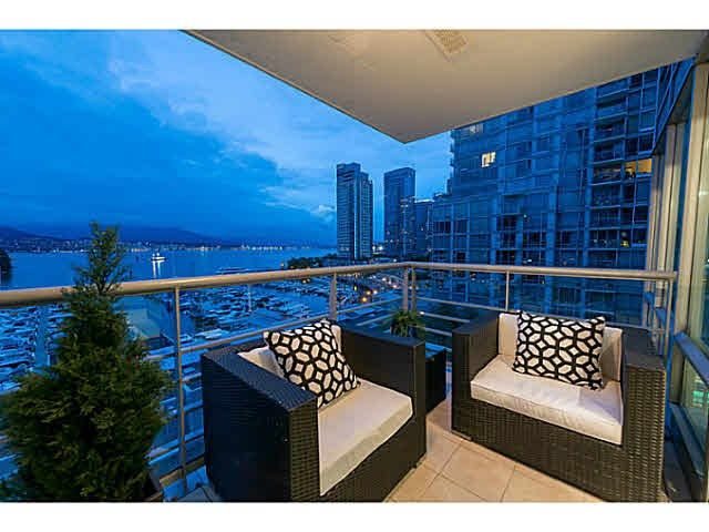 Photo 2: Photos: 802 590 NICOLA Street in Vancouver: Coal Harbour Condo for sale (Vancouver West)  : MLS®# R2518941