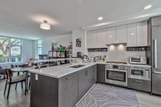 """Photo 4: 180 W 63RD Avenue in Vancouver: Marpole Townhouse for sale in """"CHURCHILL"""" (Vancouver West)  : MLS®# R2536694"""