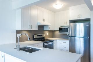"Photo 8: 601 701 W VICTORIA Park in North Vancouver: Central Lonsdale Condo for sale in ""GATEWAY"" : MLS®# R2474019"